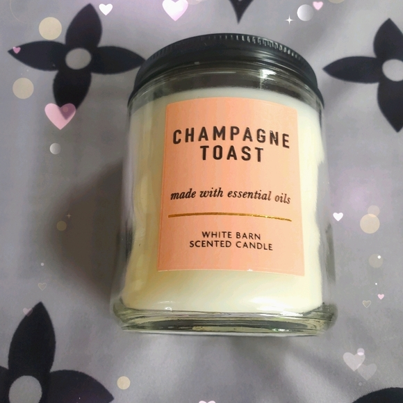 BBW ❤ Champagne Toast Candle